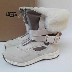 New UGG Tahoe Boots Size 10
